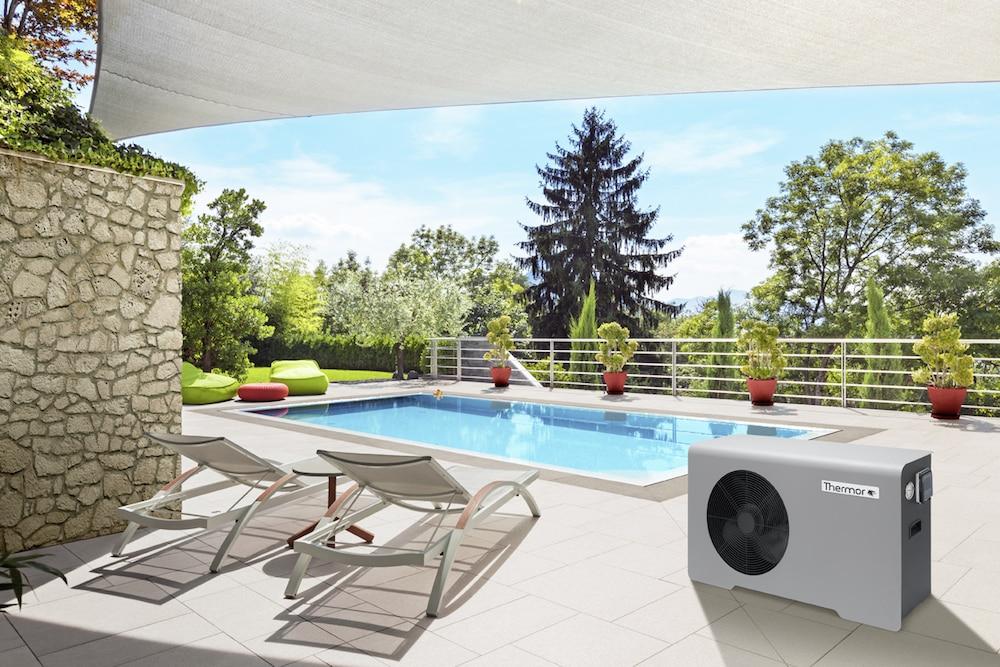 Profitez de votre piscine plus longtemps avec la pompe à chaleur Aéromax
